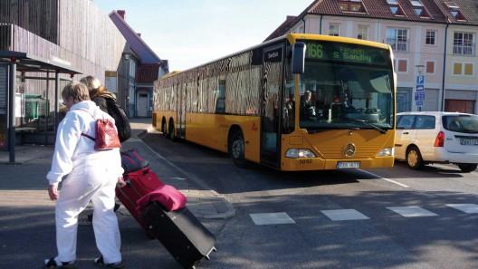 Buss som lämnar hållplats Foto:Lisbeth Svensson