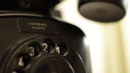 "Gammaldags telefon. Foto: Nicholas ""LordGordon"" Fiorentini by flickr.com"