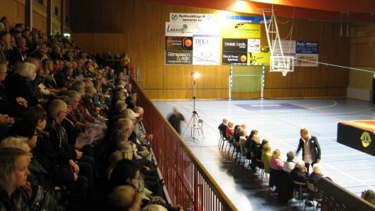 Björn Ranelid lockade storpublik till Bråhögshallen på Kulturnatten Foto:Ivar Sjögren