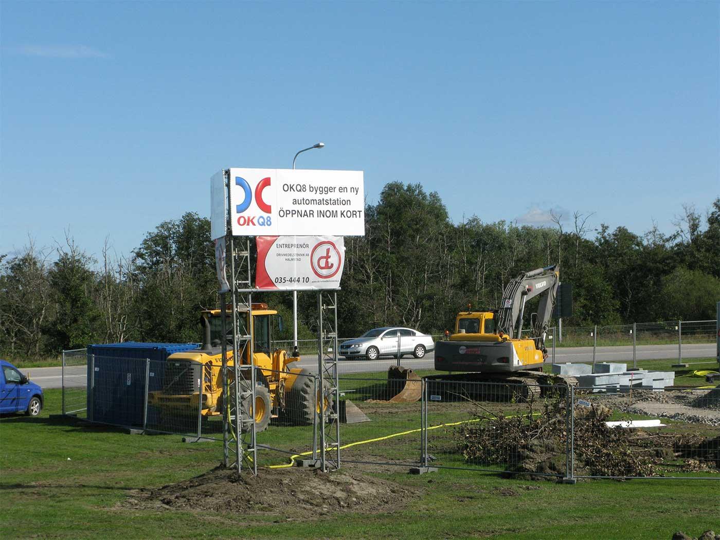 Inom kort öppnar en ny automatiserad bensinstation vid Borggårdsrondellen invid väg 108. Det är macken från Malmövägen i Staffanstorp som byter placering. Foto: Ivar Sjögren för StaffanstorpsAktuellt