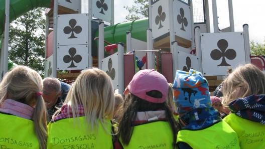 Barn på lekplats. Foto: Ivar Sjögren