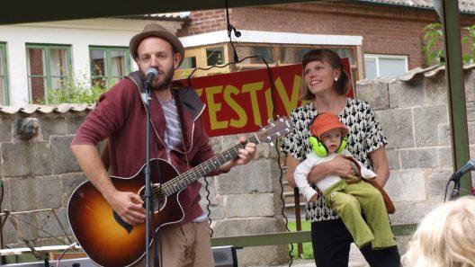 Jon och Anna Agrell sjunger barnvisor