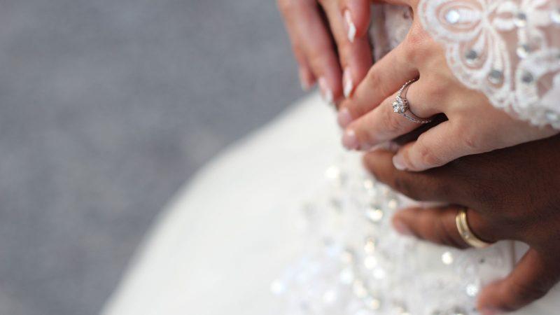 Bröllop. Foto: Tamara Menzi by Unsplash