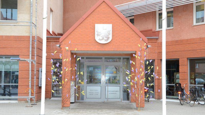 Rådhus vid påsk. Foto: Staffanstorps kommun
