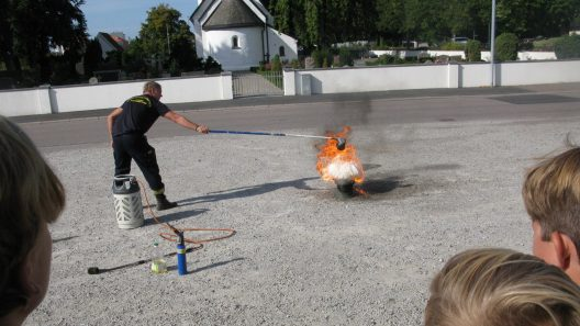 Släckövning med Räddningstjänsten. Foto: Ivar Sjögren för StaffanstorpsAktuellt