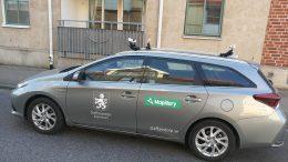 Bild på bil som kör runt och fotograferar gatumiljö Foto: Staffanstorps kommun