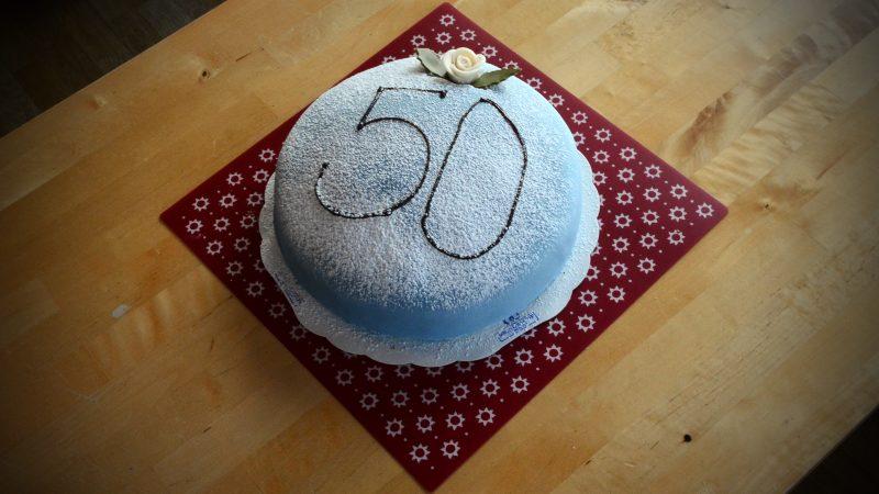 50 motioner firas med tårta. Foto: Andreas Holm