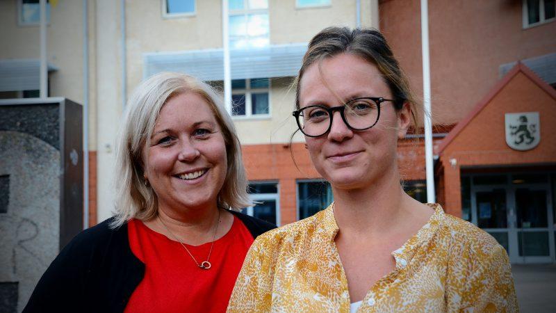 Paulina Hallgren, avdelningschef på omsorgsförvaltningen och Malin Rönnemalm, biståndshandläggare. Foto: Staffanstorps kommun