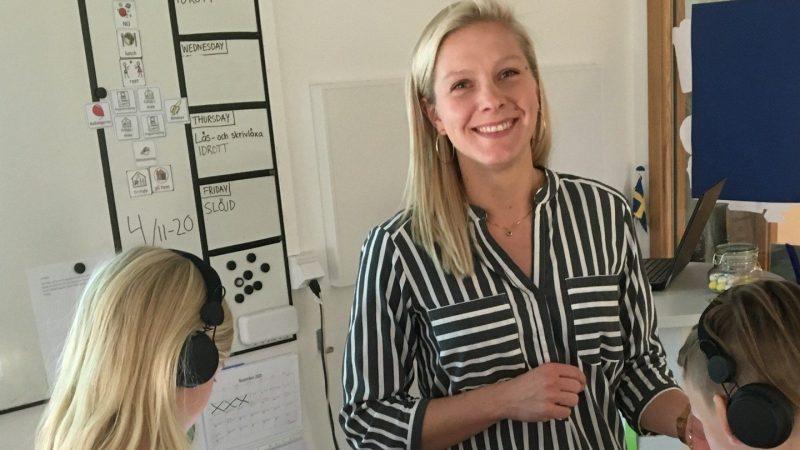 - Det är fantastiskt roligt att få arbeta i den här nya lärmiljön, säger klasslärare Sanna Persson i klass 3 B på Hjärups skola. Foto: Ivar Sjögren