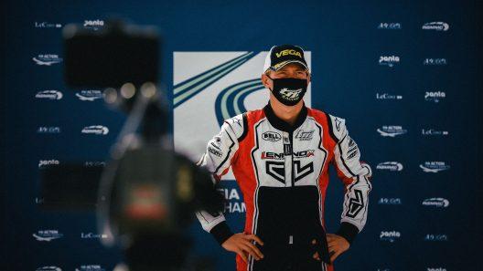 Viktor Gustafsson på pallplats efter sin EM-seger. Foto: Privat